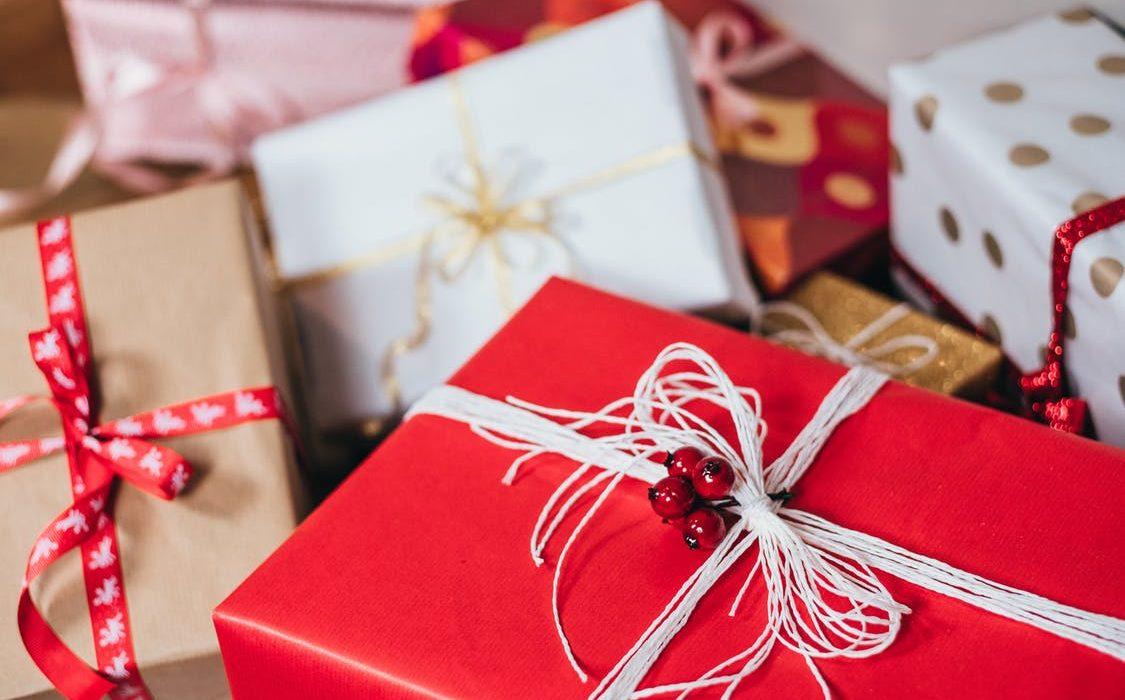 Wo kaufe ich an den besten Weihnachtsgeschenken ein?